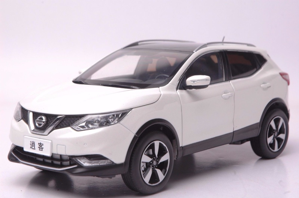1:18 Diecast Model for Nissan Qashqai 2015 White SUV Alloy Toy Car Miniature Collection Gift