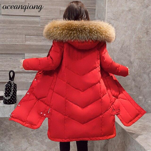 Подпушка пальто с Натуральный мех капюшон зимняя куртка-пуховик Для женщин толстые теплые длинные Мода 2017 г. утка Подпушка пальто качество енота меховой воротник