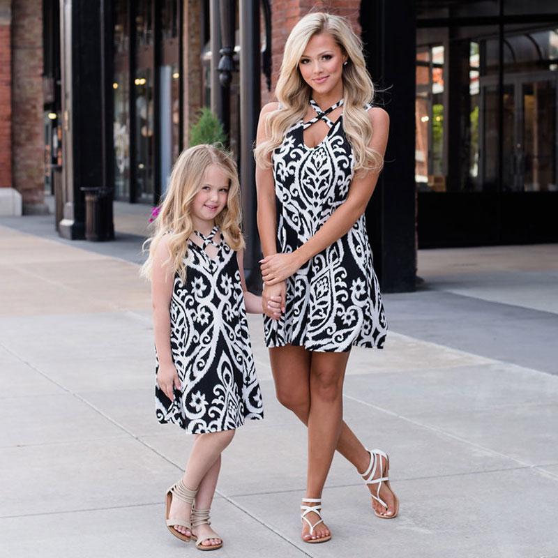 MVUPP Mother daughter dresses family look black white floral print sleeveless mommy and me baby girl mini dress matching outfits random floral print v neck sleeveless irregular hem dresses