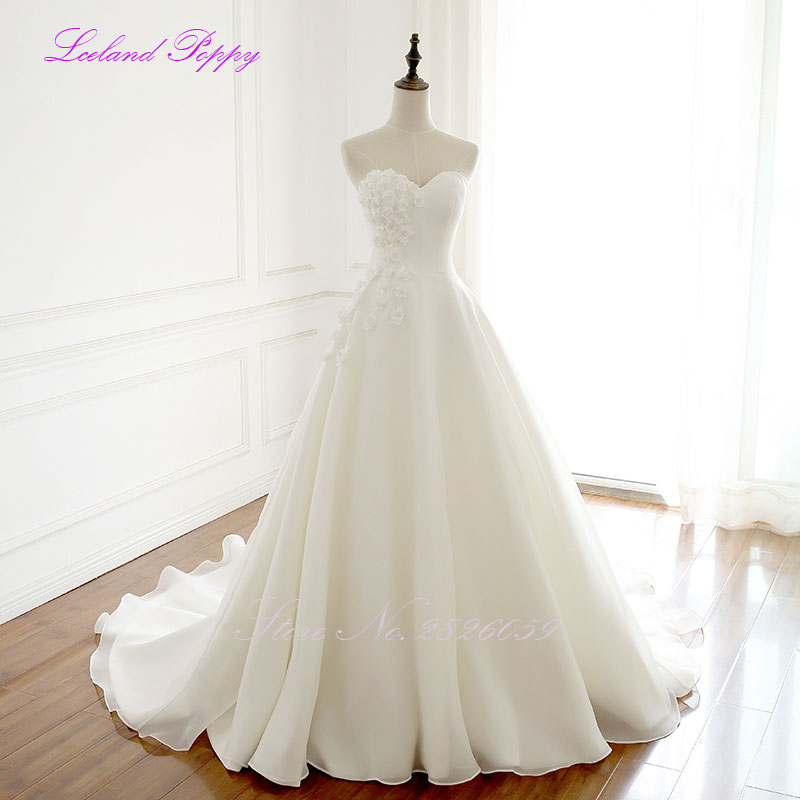 Elegant Women's A-line Wedding Dress Sleeveless Chapel Train Simple Vestido De Novia Floor Length Bridal Gowns With 3D Flowers