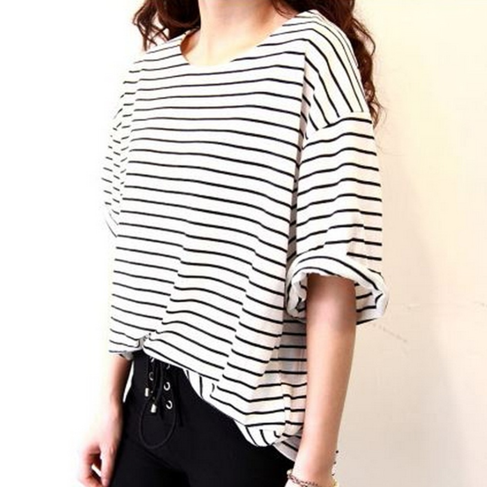 2018 tshirts femme Women's Fashion T shirt All match Batwing Sleeve Casual  Loose Striped Black/White Vintage BF Style Tops Tee-in T-Shirts from Women's  ...