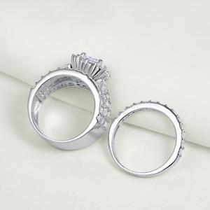 Image 3 - Newshe Halo alyanslar kadınlar için 4 karat çapraz kesim AAA zirkonya klasik takı 925 ayar gümüş nişan yüzüğü seti