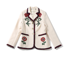 Luxury Short Jakcets New Autumn Famous Turn-Down Collar Full Sleeve Luxury Flower Embroidery Beige Casual 2016 New Jacket