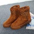 Meados Altas De Pele Inverno Quente Botas De Neve Rebite 2016 Novo Plataforma de Veludo das Mulheres moda Casual Sapatos de Neve Botas De Nieve Femenina