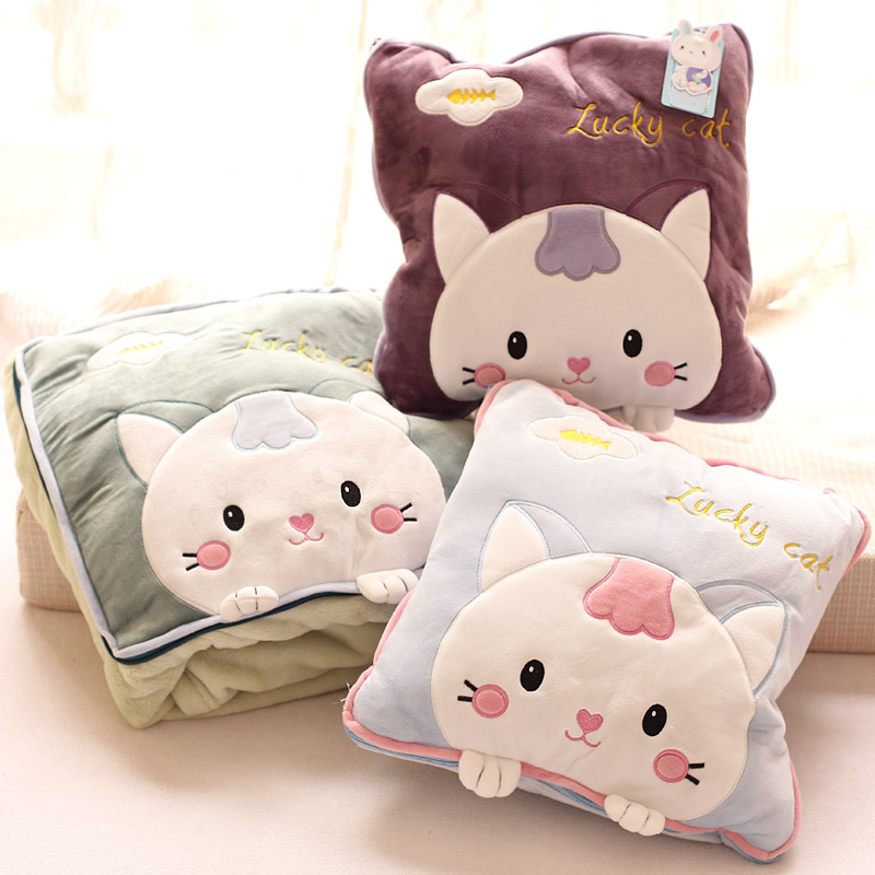 The blue and white dolls cute kitten flannel blanket blanket pillow cushion is air conditioning ...