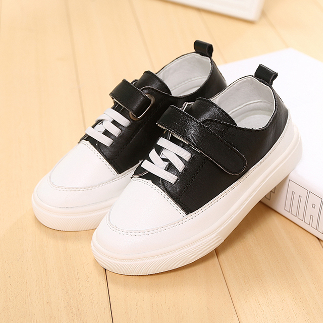 2016 Новая Осень высокого качества Кожаные мальчиков обувь удобные Британский стиль детская обувь Черный и белый мягкий sole обувь для девочек