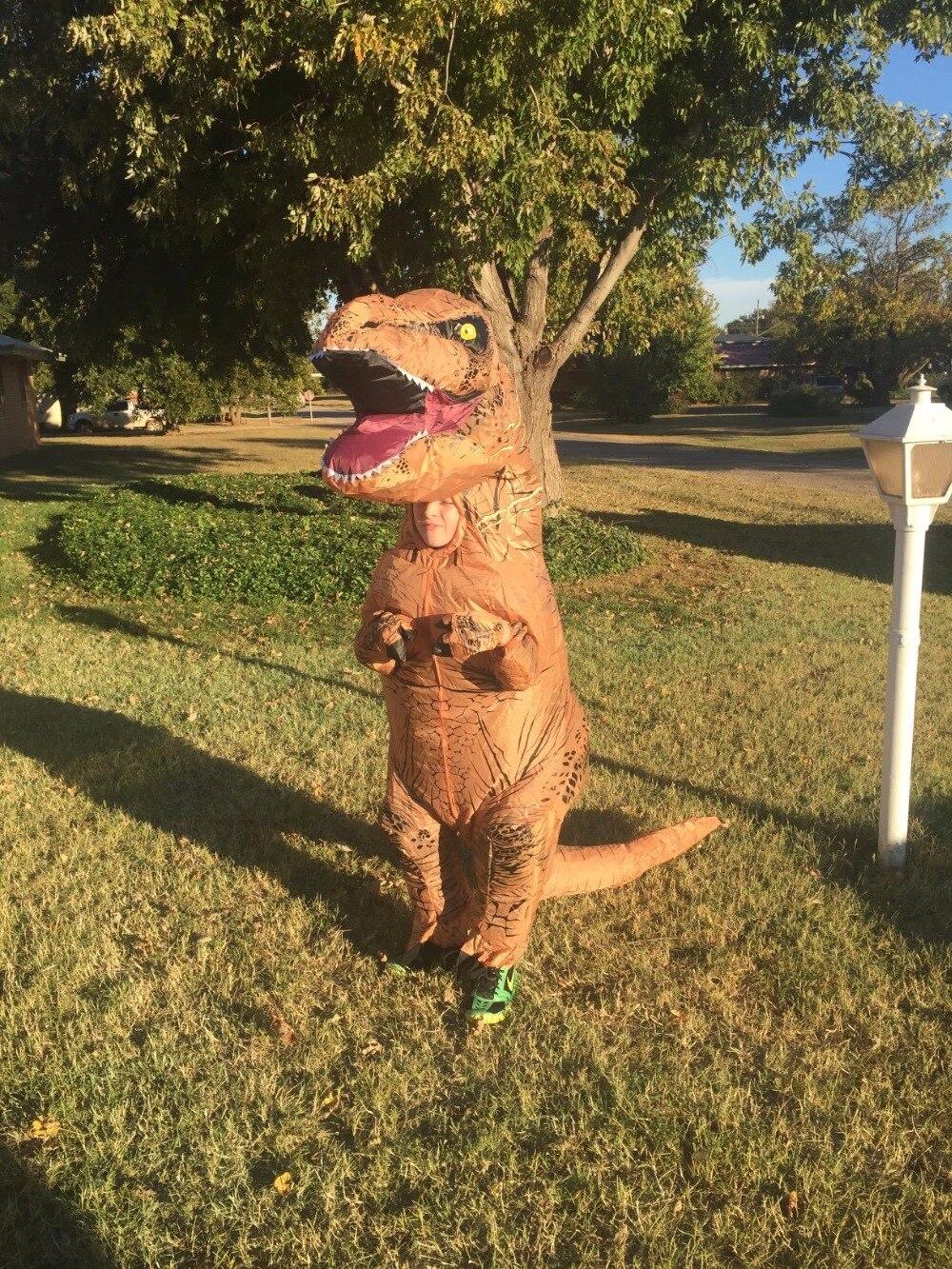 profesora de ed fisica cree convertirse en dinosaurio
