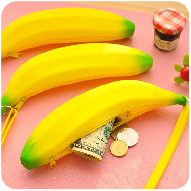 Ulrica 2017 Novelty Funny Silicone Portable Yellow Banana Coin Pencil Case Unique Purse Bag Wallet Pouch Keyring Hot Selling unique pencil style short plush fabric pen bag pouch yellow