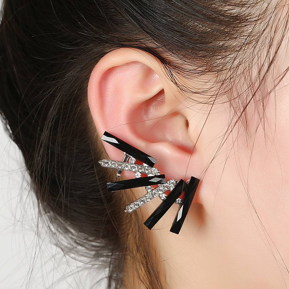 Left And Right Ear Clip Fashion Earring Earcuff Stud Clip Girl Ear Cuff Women Jewelry Bijoux Men Punk Party Gifts E16017