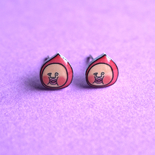 Cute Funny Fart Peach Earrings For GirlsJapanese Style Hand-painted silver Pin Stud Earrings Magnet Fashion Jewelry Women