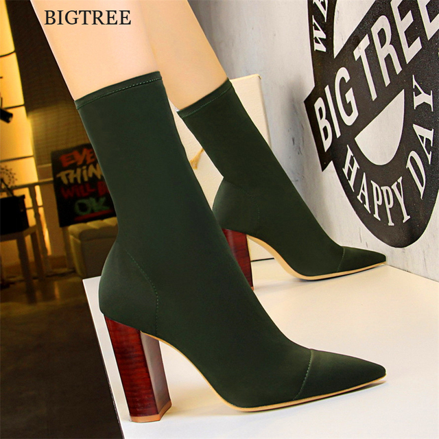 ใหม่มาถึงผู้หญิง Retro Wood Grain สแควร์ส้นรองเท้าสั้นบางกระชับยืด Lycra รองเท้าส้นสูงรองเท้าผู้หญิง pointed Toe