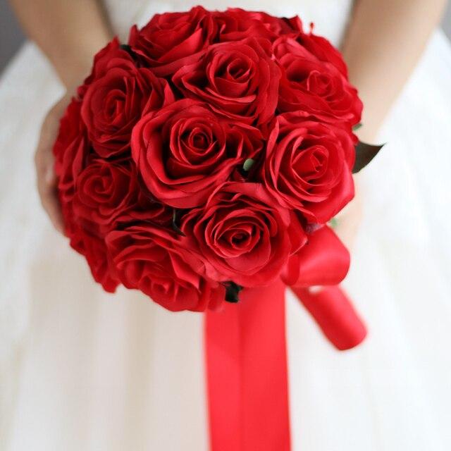 Красный Свадебный Букет Искусственный Розовыми Цветами Невесты Свадебный букет Красная Роза Цветок Невесты Букет с Цветами в Руках Декор