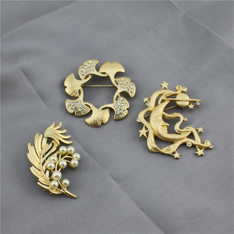 2019 New European And American Fashion Retro Style Matte Gold Leaf Ginkgo Leaves Stars Moon Imitation Pearl Temperament Brooch