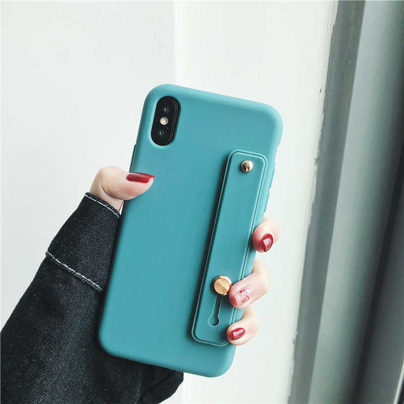 Matowy bransoletka silikonowa stojak etui z uchwytem na palec dla iPhone 6 6 s 7 8 Plus powrót telefon pokrywa dla iPhone Xr Xs Max TPU pełna kolorowych etui