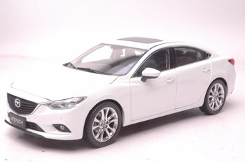 1:18 Diecast Model for Mazda 6 Atenza White Sedan Alloy Toy Car Miniature Collection Gift MX5 MX