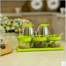 Fashion 5 Pieces Set Seaoning Box Creative Kitchen Tools Oil Bottle Pepper Storage Bottle With Spoon Free Shipping
