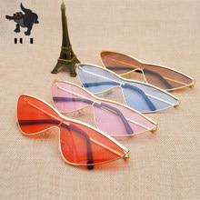 FU E2018 Armação De Metal Moda Pequeno Triângulo Pedaço óculos de sol Das  Mulheres Óculos De Marca De Grife Sexy Cat eye . 5b8d78cba1