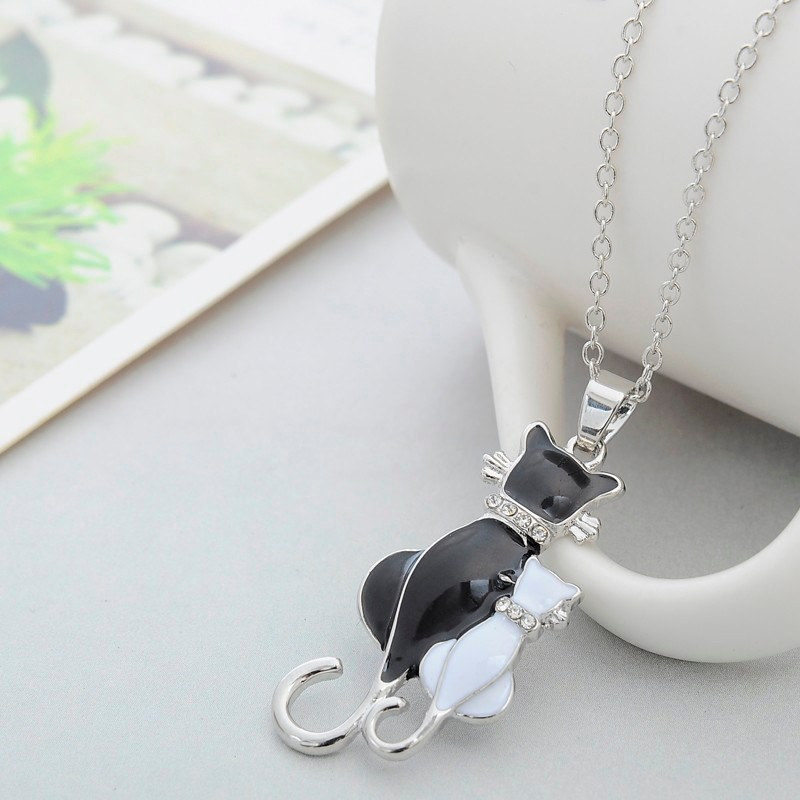 NEW LOVELY CAT PAW BLACK WHITE 2 CAT ON HEART CRYSTAL PENDANT NECKLACE-Cat Jewelry-Free Shipping NEW LOVELY CAT PAW BLACK WHITE 2 CAT ON HEART CRYSTAL PENDANT NECKLACE-Cat Jewelry-Free Shipping HTB18shALFXXXXXNXVXXq6xXFXXXA
