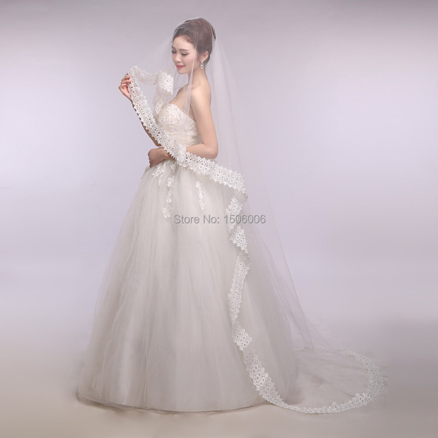 Appliqued Edge One-layer Cheap Floor-Length 2015 new arrival elegant Tulle Wedding Veils Bride Veil 2014 Hot sales LK0110
