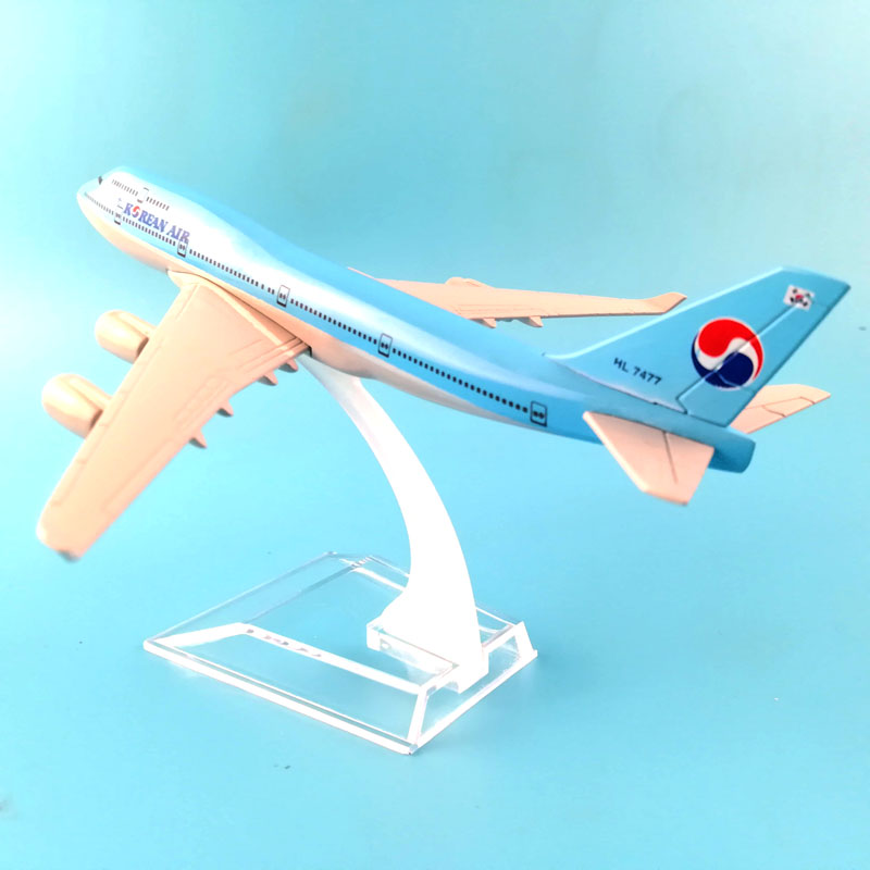 16cm Alloy Metal Airplane Model Korean Air 747 Airlines Aircraft Airbus Boeing747 Airways Plane Model W Stand Gift free shipping