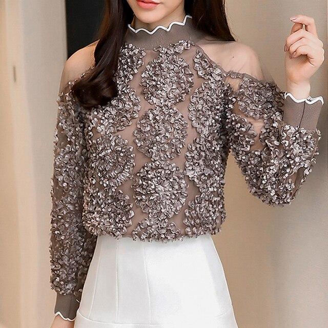 אביב חולצות חולצות 2019 אופנה ארוך שרוול קר כתף חולצות סיבתי תלת ממדי פרח קפלים סקסי לבן Blusa 907G3