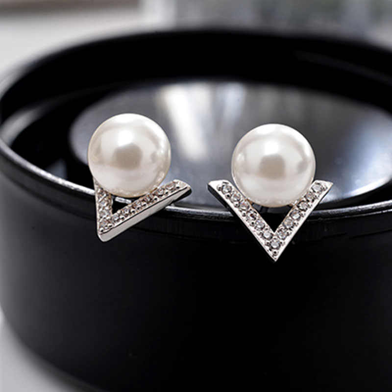 Grace Simple White Gray Crystal Stud Earrings For Women Fashion Jewelry Bijoux Brincos boucle d'oreille Simulated Pearls Earring