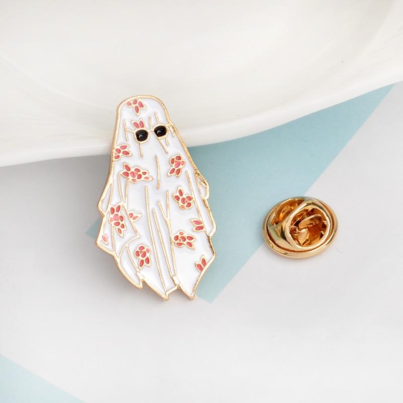 100% Quality Europe America Jewelry Creative Arabian White Robe Pattern Eye Cartoon Brooch Denim Jackets Backpack Badge Accessories High Quality Goods