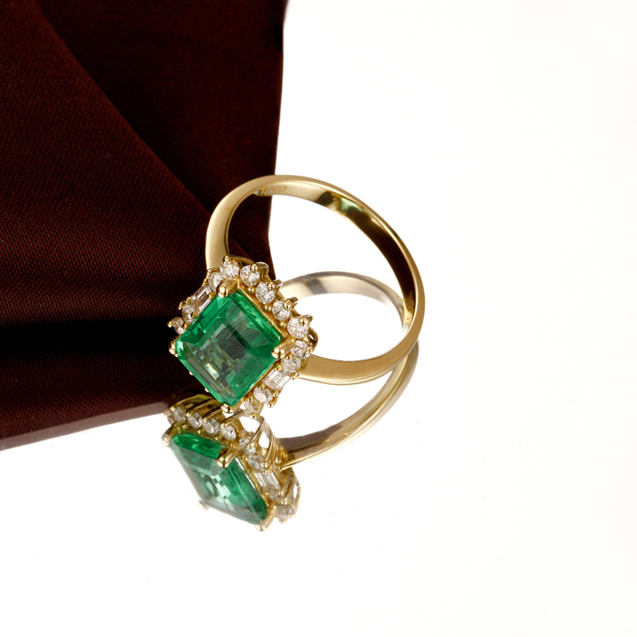 18k Gold Natural 247ctw Colombian Emerald Diamond Engagement Ring