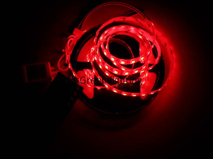 10 ensembles X en gros plus récent RGBW 4 couleurs dans une puce 24 V LED bande + 40key RGBW LED de contrôle livraison gratuite express - 5