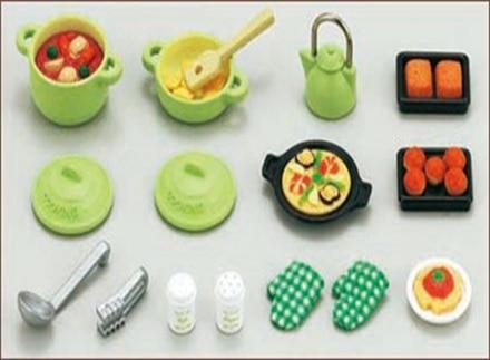 Cute genuine sylvanian families house miniature family for Sylvanian families cuisine