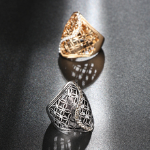 Women's Elegant Wide Ring with Floral Pattern