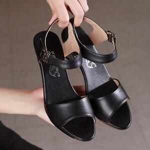 Image 5 - GKTINOO جديد المفتوحة تو صنادل جلد طبيعي النساء أحذية عالية الكعب الصنادل الأنيقة أزياء أحذية غير رسمية النساء الصنادل حجم كبير