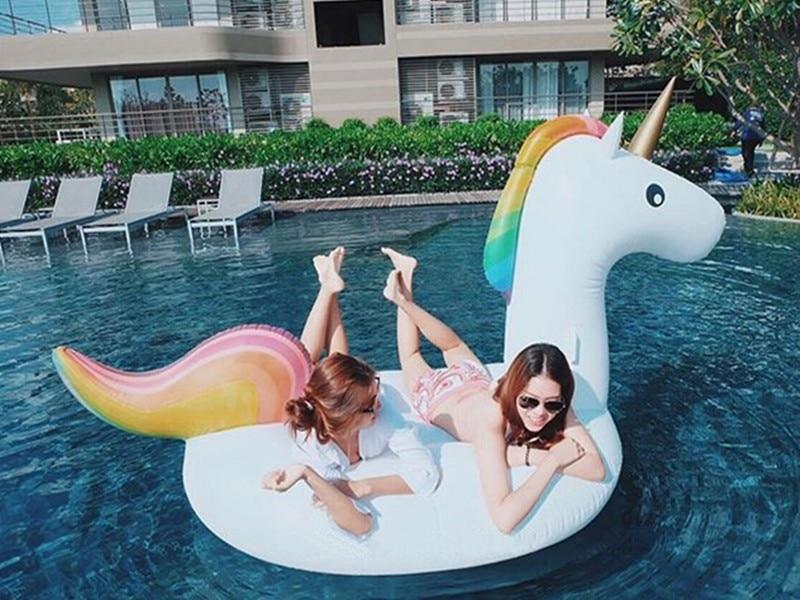 275cm inflatable Unicorn Giant Pool Float Swimming Swan Float for Adult Tube Raft Kid Flamingo Swim Ring Water Fun Pool Toy