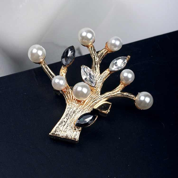 Luxury Pretty Imitation Pearl Rhinestone Brooch For Women Fashion Jewelry Christmas Tree Crystal Brooches Brooch