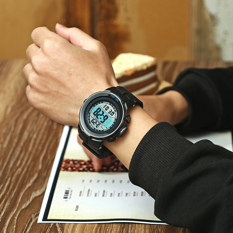 2017 New SANDA Brand LED Digital Mens Military Watches Men Sports Watch Swim Climbing Fashion Outdoor Casual Men Wrist Watches