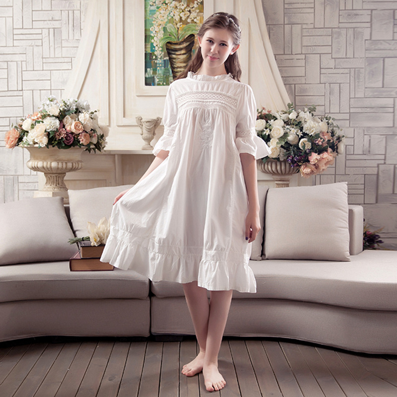 2017 New Womens Summer Nightwear Vintage Palace Sleepwear Women Cotton Nightgown Cute Sweet Princess Sleepwear