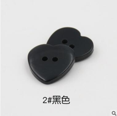 Красивые 1 лот = 100 шт полимерные кнопки в форме сердца 2 отверстия пластиковые кнопки Швейные аксессуары для одежды DIY для детской одежды кнопка мешок - Цвет: 2-black