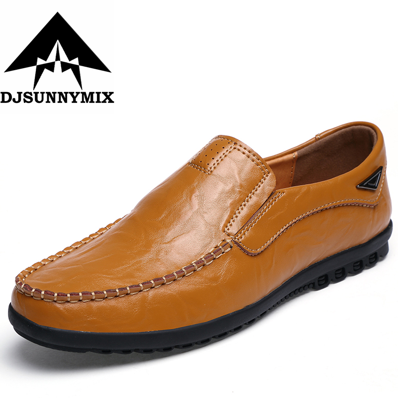 DJSUNNYMIX Brand 2017 men boat shoes loafers Slip on men flats shoes cow leather top brand high quality genuine leather casual men shoes cow suede comfortable loafers soft breathable shoes men flats warm