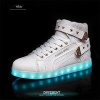 LED Factory Direct LED Schoenen Goud en Zilver Lederen Stiksels USB Opladen Lamp Schoenen Paar Student Board Schoenen Groothandel
