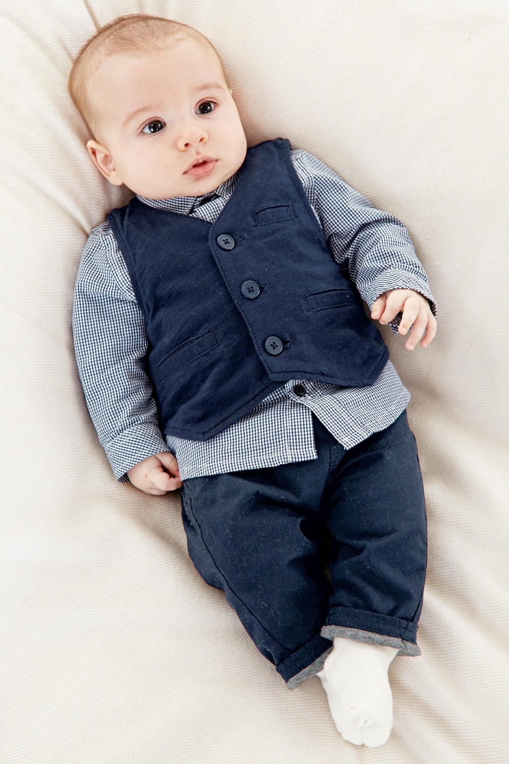 Shop for newborn baby boy clothes at Carter's and find tops, bottoms, PJs and more. Browse by size and color for great newborn boy clothing at deletzloads.tk