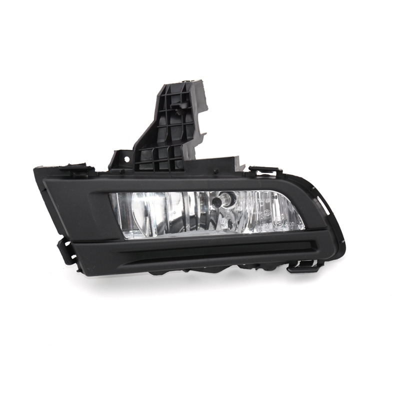 1 Pcs Front Bumepr Fog Light with Cover Driving Fog Lamp RH Right Side BFB8-51-680 For Mazda 3 2010 Classics 1pcs front halogen foglamps clear glass lens front fog light driving lamp for volkswagen passat b6 for right side