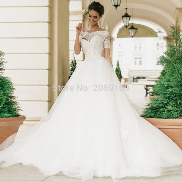 a695da102 Robe De Mariage Short Sleeves Ball Gown Wedding Dress Casamento Pearls  Vintage Lace Bridal Dress Vestido De Novia Wedding Gown