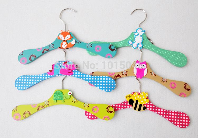 Free Shipping 6PCS/lot Cute Wooden Cartoon Animals Non-slip Children Clothes Rack Clothes Hangers Baby Clothes Rack