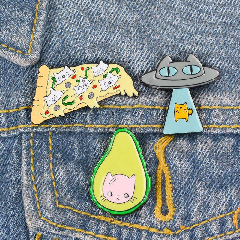 Kawaii Kitty коллекция Брошь Авокадо Фрукты Пицца Кошка форма НЛО эмаль Pin джинсовая юбка нагрудные значки с животными друзья дети подарки