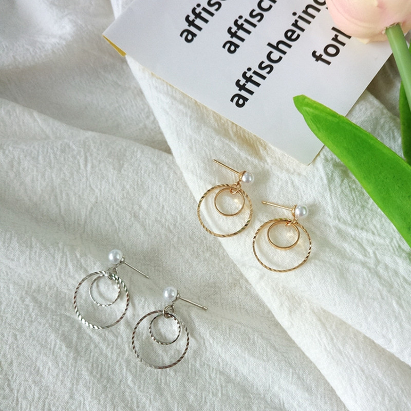 Fashion exaggeration, atmosphere Circle Earrings, ear hook earrings, super good-looking little pearl, affordable