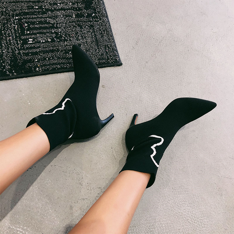 2018 Autumn Winter Women Shoes Ankle Boots Genuine Leather Pointed Toe High Heels Embroidery Black Runways Shoes tenis feminino