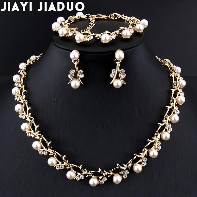 Jiayijiaduo Классический Имитация Жемчужное ожерелье золотого цвета комплект ювелирных изделий для женщин прозрачного хрусталя элегантный подарок партии модный костюм