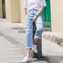 2019 summer loose thin high waist sexy ladies jeans wide leg pants Korean casual nine points pants female students ripped jeans