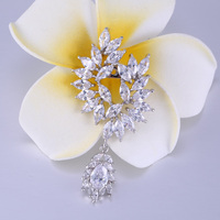 ZHE FAN Luxury Leaves Dangle Brooches For Women Jewelry Clear AAA CZ Cubiz Zircon Stone Broach