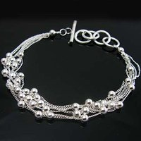 Wholesale fashion jewelry Bracelets , 925 Silver Bracelets & bangles . Nice Jewelry. Good Quality B13